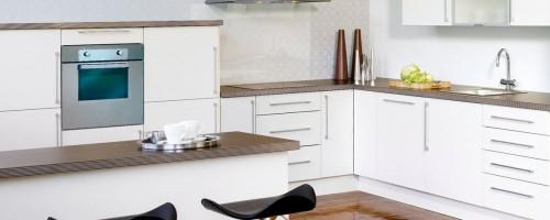 Komfort hvit glatt kjøkkeninnnredning