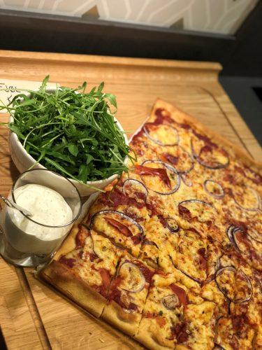 pizza på kjøkken